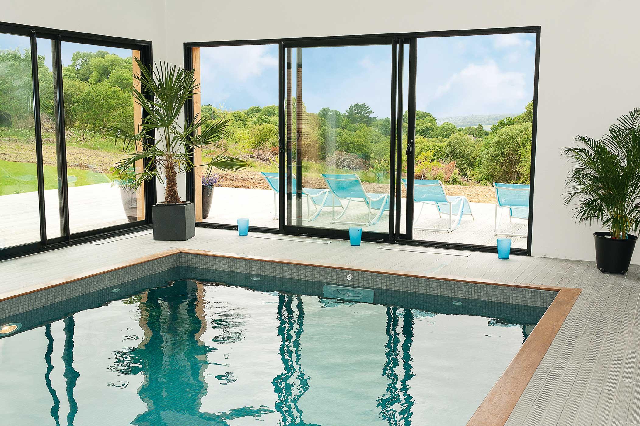 Baie vitrée aluminium noir piscine